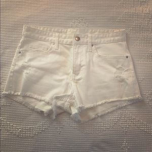 H&M Medium Rise White Jean Shorts SZ 4 NWOT